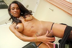 Busty ebony shemale Cintia Matarazzo gives a good solo show
