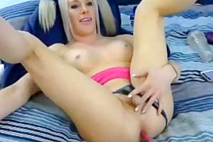 blonde tranny babe Enjoys Playing Her butthole And 10-Pounder