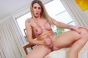 Latina tranny Bianca storkes firmly her dick in lustful session