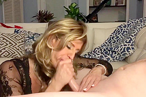 Muscled hunk gets drained by Glamgurlxoxo
