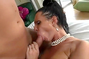lady-mans Swallowing sperm Comp1
