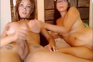 Transexual On Woman Por La webcam Parte3