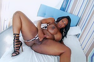Big ass black shemale Jackeline Boing Boing masturbates