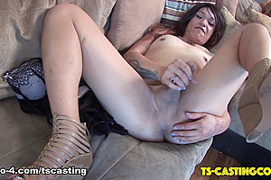 Kali Sunshine Cums On The Couch - TS-Casting-Couch