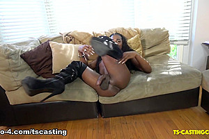 Oh So Lovely - TS-Casting-Couch