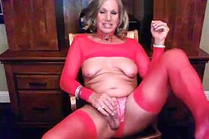 American Blonde Mature Tranny Masturbating in her red lingerie!