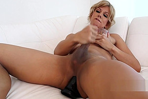 Milf tranny cums with dildo in her ass