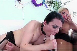 Transbabe Aly gets fucked by hot chick Courtney with a strap