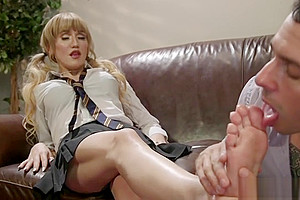 Male student sucks toes to shemale tutor