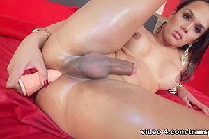 Camila Klein in Self Stroking Special - TransAtPlay