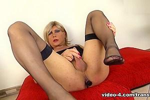 TransFeet Video: Claudia Poderi