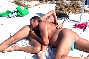Jamie and michelle suck each other at the beach
