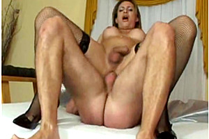 Hot Shemale In Stockings Cumming After Banging