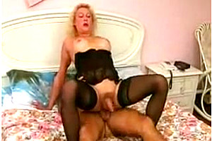 Milf TS in stockings works miracles